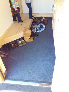 土間も靴いっぱい